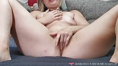 Squirt - French Juicy Girl Masturbates on Vends-ta-culotte