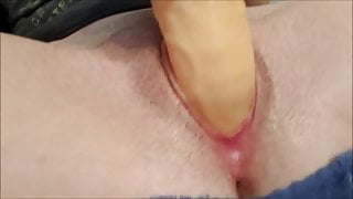 Dildoing herself until she squirts while i watch