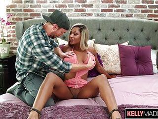 Ebony slut webcam Ebony slut sarai minx loves white dick