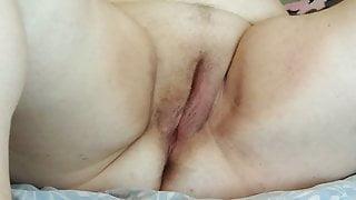 bbw milf masturbating her pussy with a toy 3