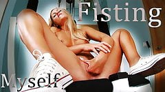 Horny Blonde Babe Loves Solo Fisting