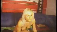 HD Blonde Pussy Play On Webcam