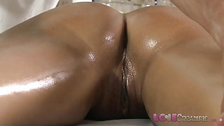Love Creampie Young beauty gets oil massage and cum in her