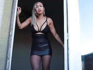 Sexy lady un skirt Latin lady with tight leather skirt and high-heels part2
