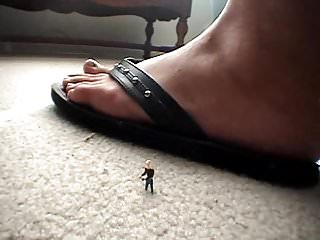 Giantess foot fetish stories Vita giantess