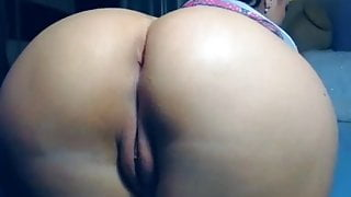 Mature mom's big beautiful ass in doggy style