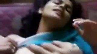 Bacha bhabhi k sath RomeoGuru Video 8