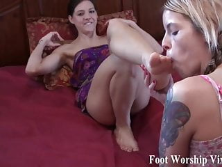 Girl foot fetish It time for a little girl on girl foot fetish action