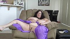 Огромные сиськи толстушки, курящие, зрелая милфа мастурбирует