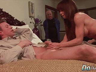 Watch girl give blowjob free - Do the wife - cuckolds watching wives give bjs compilation 4