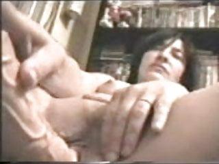 Mia Madre Si Masturba Con Un Grosso Vibratore My Mum