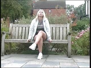 British pee video British pee in park