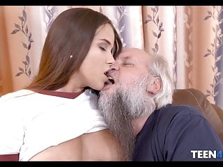Mature gray pussy Teen with fat ass fucks with old gray bush