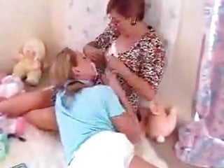 Baby stop latching on breast feeding - Paige and maria breast feeding