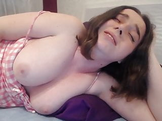 Cute busty girl fingering for orgasm Cute huge busty college girl