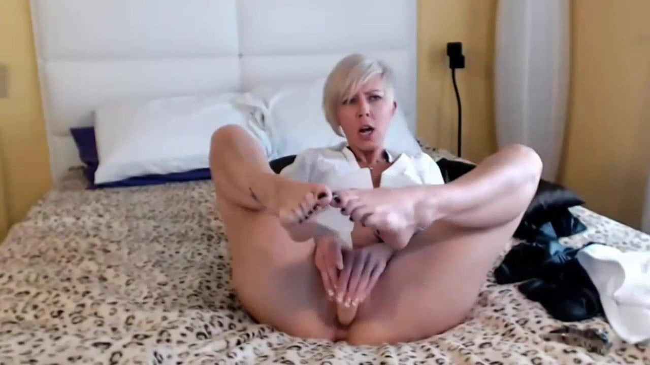 Short Hair Blonde Blowjob