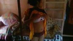 Lucknow Bhabhi Ghazala Boob Show