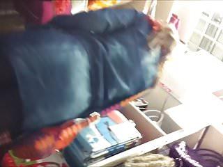 Enceinte video xxx Upskirt sous la jupe et collant enceinte