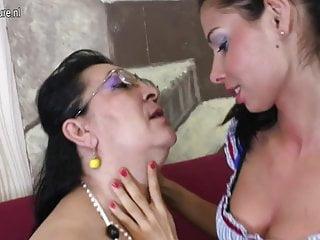 Hot daughter fucking mommys new man Hot daughter fucks old lesbian grandma
