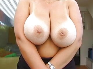 Huge boobs uncovered - Blonde huge-boobs-milf posing