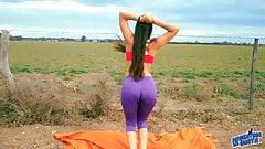 Amazing Body Teen Stretching. Big Cameltoe, Big Ass, spandex