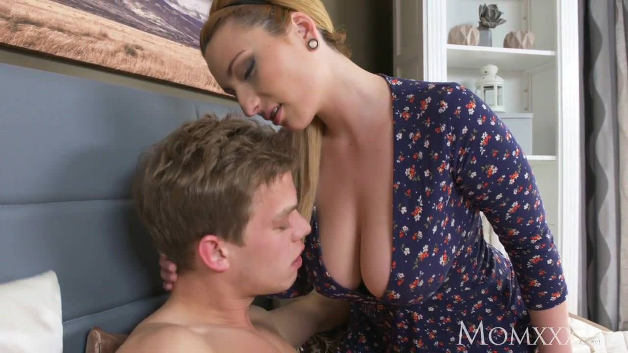 Chanel Preston Big Tits Milf Fucks Her Neighbour And Gets Her Pussy