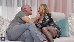 Busty mom with a big booty fucks bald dad