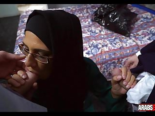 White vintage glass - Arab in glasses gets two white dicks