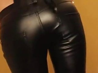 Cfnm fetish tgp - Cum on leather pants