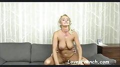 piercing LovesFrench unde blonde aux gros seins veut beaucoup pervert milf