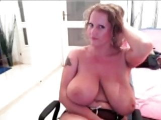 Tit flash cam Flash big boobs cams