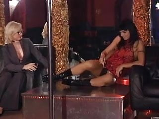 Stripper giving blowjobs - Lesbian stripper gives private dance