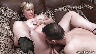 Chubby gf gets her fat pussy licked before cock riding