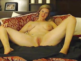 Average adult penile length Average looking girl plays with herself on camera