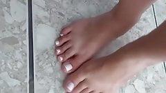 Sara Frazine Barefoot