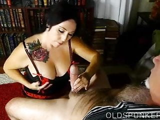 Girls who suck cock eat cum Lovely old chubby spunker loves to suck cock and eat cum