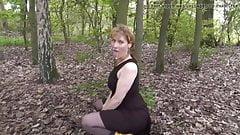 anal gape MILF.. im Park mit Wichse in der Fresse! nice ass
