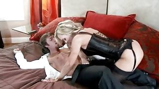 BRANDI LOVE SPREAD HER LEGS FOR HER HUBBY