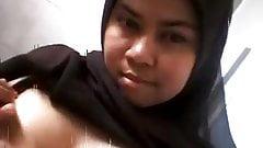 Brunette Singaporean girl showing