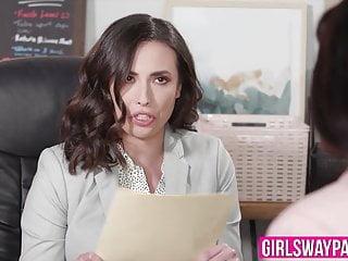 Amanda calvert fuck Ana foxxx and casey calvert fuck each other in the office