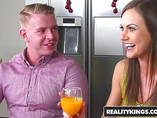 Dinner not requied sex website - Realitykings - sneaky sex - dick for dinner