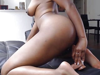 Hollywood sexy smile - 19 black slut jennyx with twerking booty and sexy smile