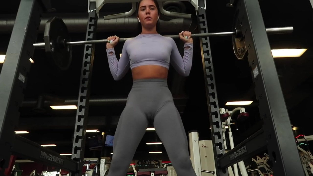 Free download & watch no pantie no bra at the gym camel toe cameltoe pussy shape          porn movies