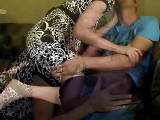 Twink boys cock suck Mature skinny mom suck and fuck young boys cock