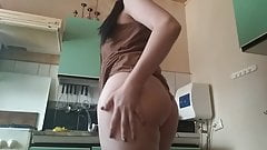Clip on the clitoris adult games in the kitchen