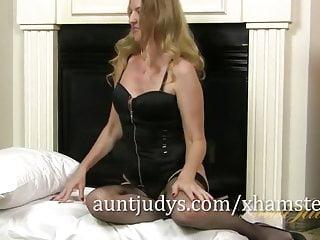 Leg beautiful sex Long-legged mature beauty lacy is feeling frisky