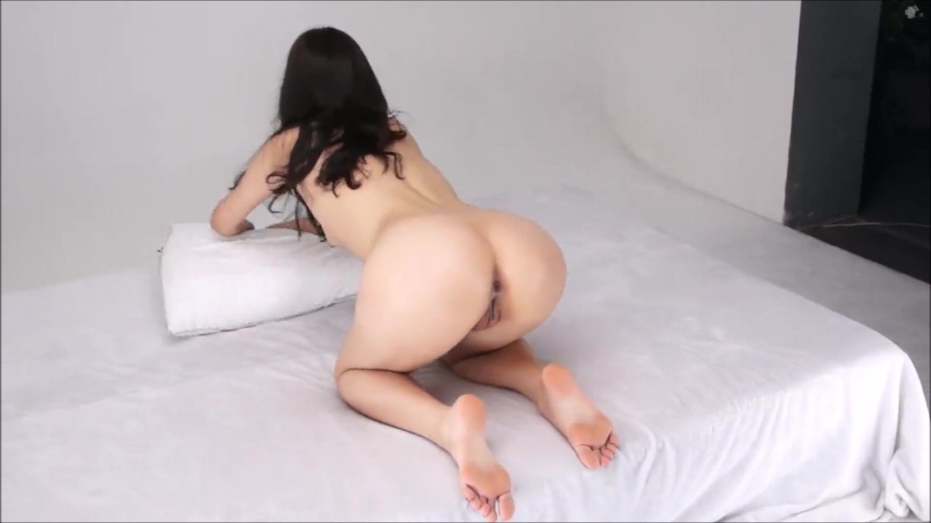 Asian Amateur Nude Model