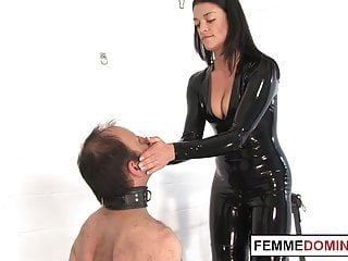 Bdsm english mansion English dominatrix whips handcuffed slave