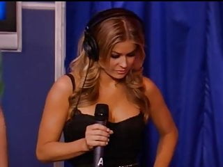 Carmen electra porn locker room Carmen electra on sybian