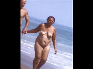 Granny tits masturbating voyuer - Voyuer at nude beach, mature tits 72